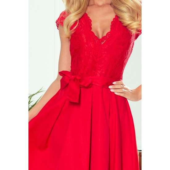 NUMOCO dress with neckline and lace - Red colour (242-4)